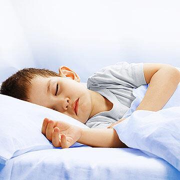 Cum pacalim copiii sa doarma singuri